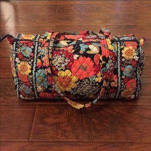 Beautiful Vera Bradley Travel Bag